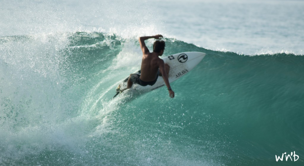 surfing in puerto escondido